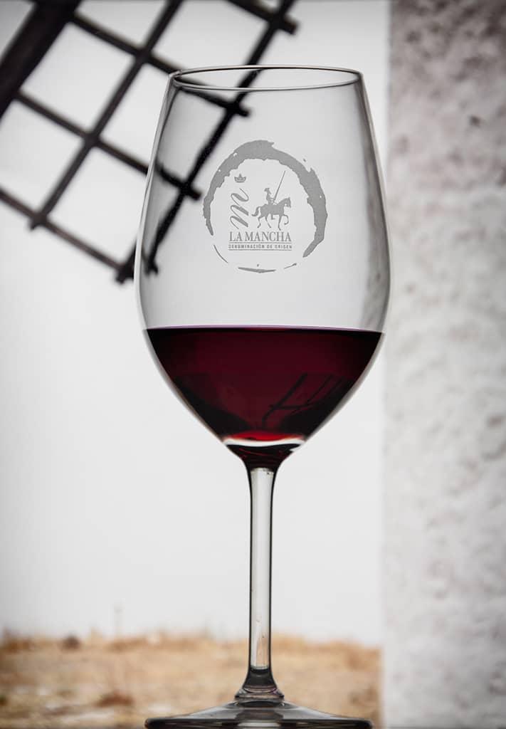 Wine glass & windmill (DO La Mancha)
